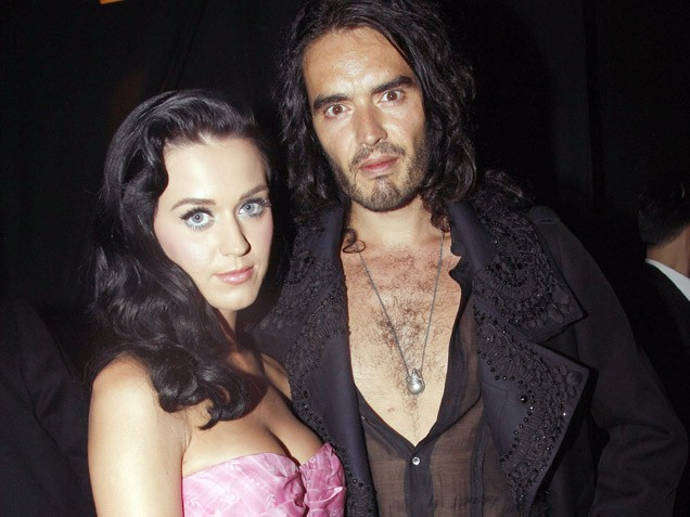 http://kellebelle.files.wordpress.com/2010/01/russell-brand-katy-perry.jpg